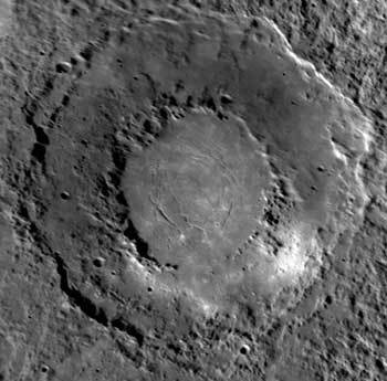 Peak-ring impact basin on Mercury