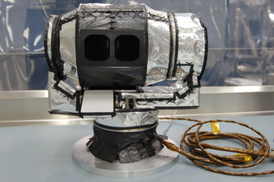 The Diviner lunar radiometer instrument on Lunar Reconnaissance Orbiter