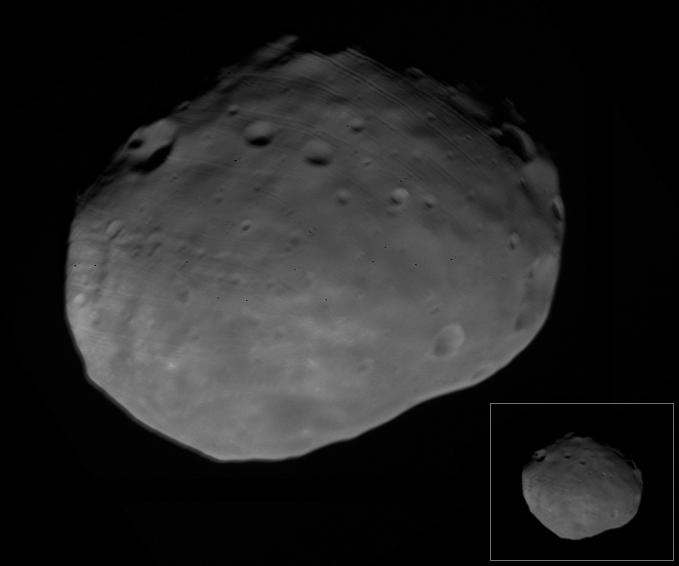 Sub-Mars to trailing side of Phobos