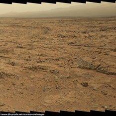 Curiosity Mastcam-100 panorama at Point Lake, sol 107