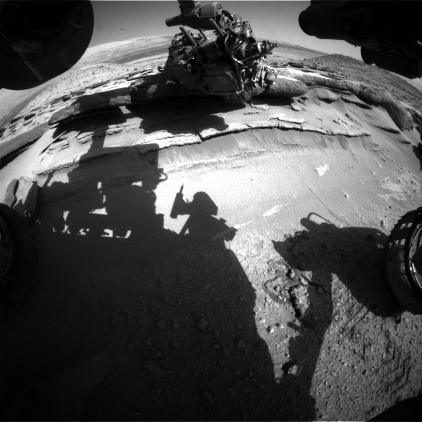Curiosity inspects Kimberley up close, sol 583