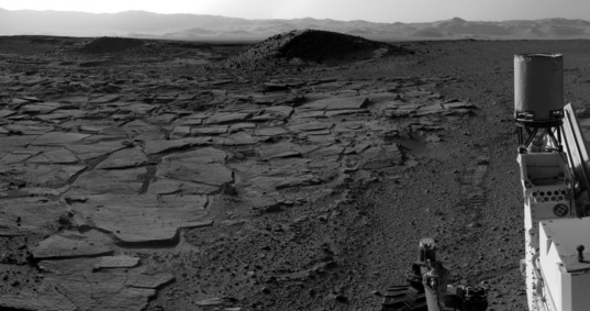 Late-afternoon Navcam panorama at the Kimberley, Curiosity sol 593