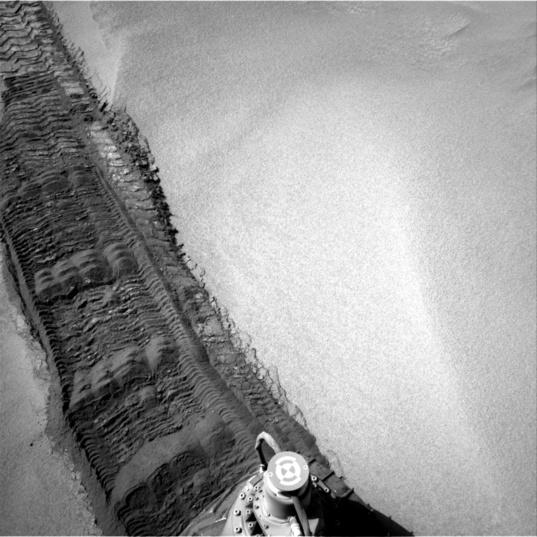 Slippy tracks, Curiosity sol 672