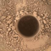 Drill hole at Confidence Hills, Curiosity sol 759