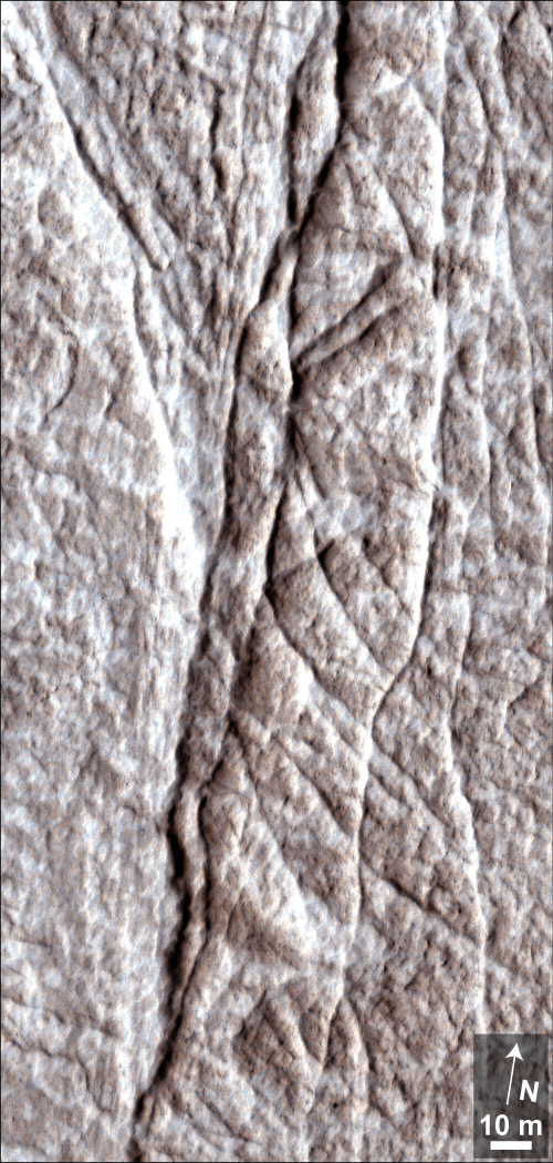 HiRISE image of possible former groundwater paths