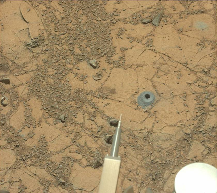 Drill hole at Telegraph Peak, Curiosity sol 909