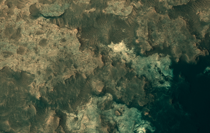 HiRISE view of Curiosity, sol 949 (April 8, 2015)