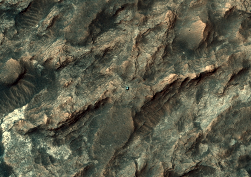 HiRISE view of Curiosity, sol 1094 (September 4, 2015)