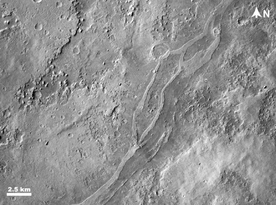 Inverted valley in Arabia Terra