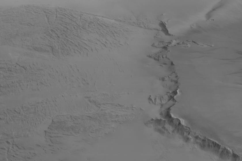 Olympus Mons scarp and Lycus Sulci