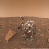 Curiosity self-portrait at Duluth, under dusty skies, sol 2082