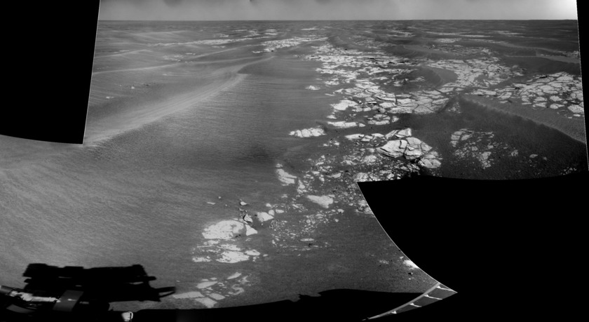 Southward-looking Navcam panorama, Opportunity sol 1,696