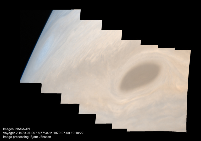 Limb of Jupiter from Voyager 2 (approximate true color version)