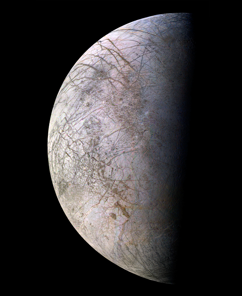 Highest-resolution color global view of Europa from Voyager