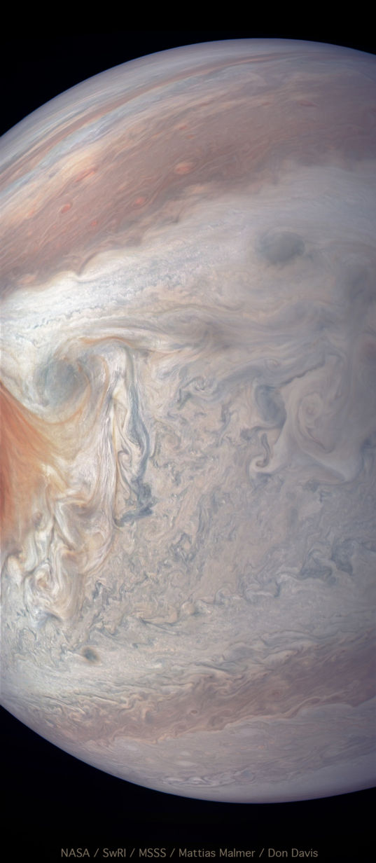Clouds upstream of Jupiter's Great Red Spot, perijove 12