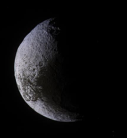 Crescent Iapetus
