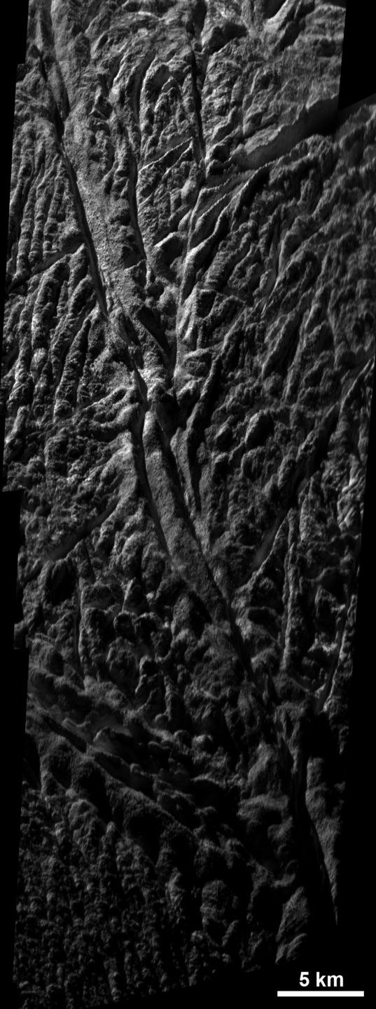 Baghdad Sulcus, Enceladus