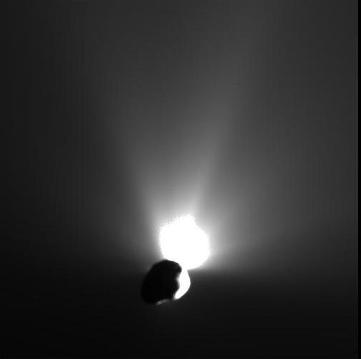 "Deep Impact ""lookback"" image of Tempel 1"