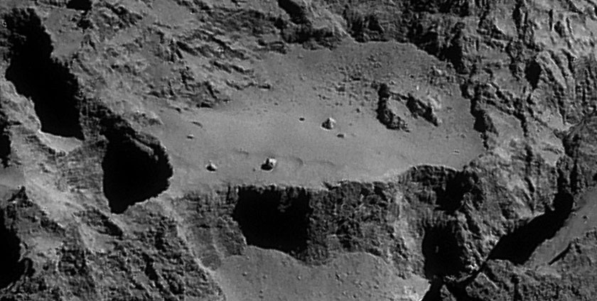 Rosetta NavCam 67P Sep 14, 2014 detail #4