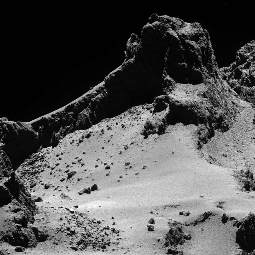 Before & after: Fractures in shadowed Churyumov-Gerasimenko cliffs