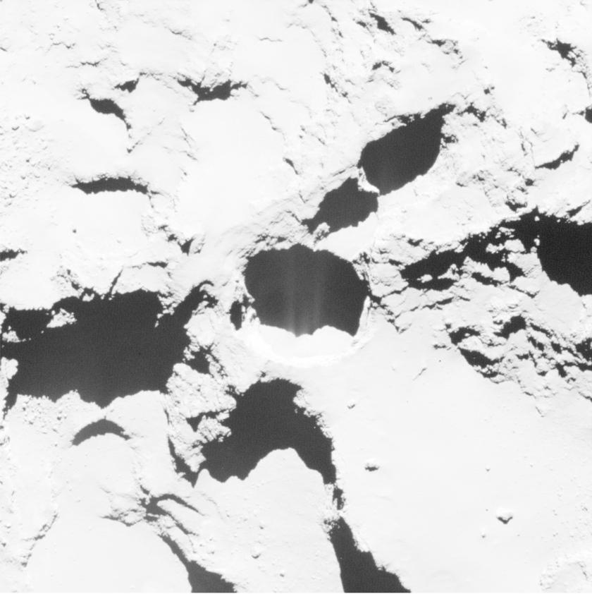 Before & after: Active pit in Seth region of comet Churyumov-Gerasimenko