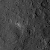 Oxo: A small, bright Cerean crater in 3D