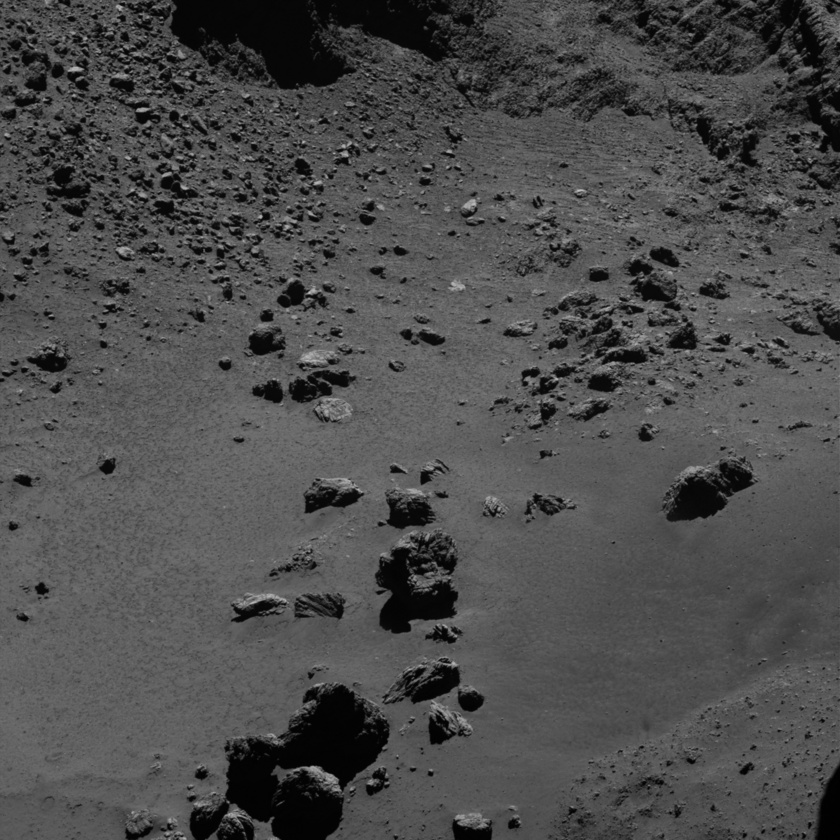 Boulders and blocks on comet Churyumov-Gerasimenko