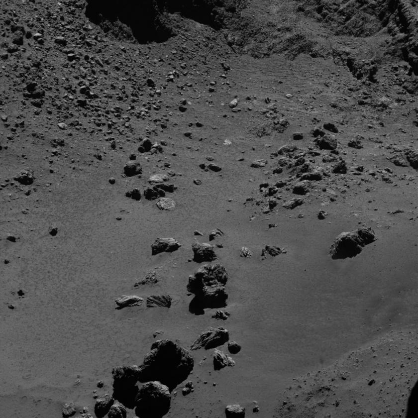 Boulders and blocks on comet Churyumov-Gerasimenko