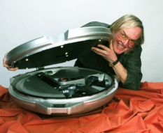 Colin Pillinger and his Beagle 2