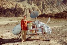 Carl Sagan with Viking Lander