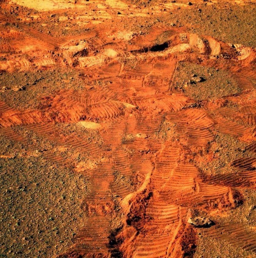 Trackin' Martian mysteries