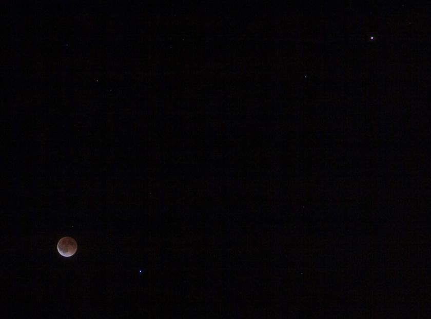 Lunar eclipse, Spica and Mars