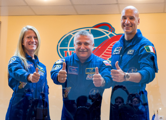 Thumbs up for Expedition 36