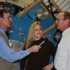 Bill Nye with Bob Meyer and Pam Marcum aboard the SOFIA 747