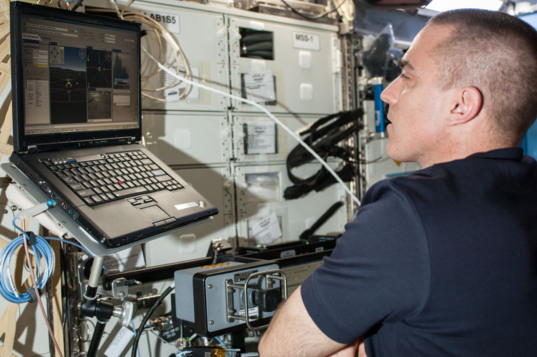 Chris Cassidy operating the K10 rover from ISS
