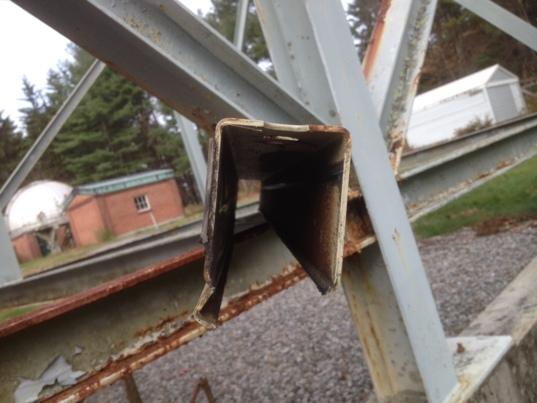OSETI telescope worn out roof rail