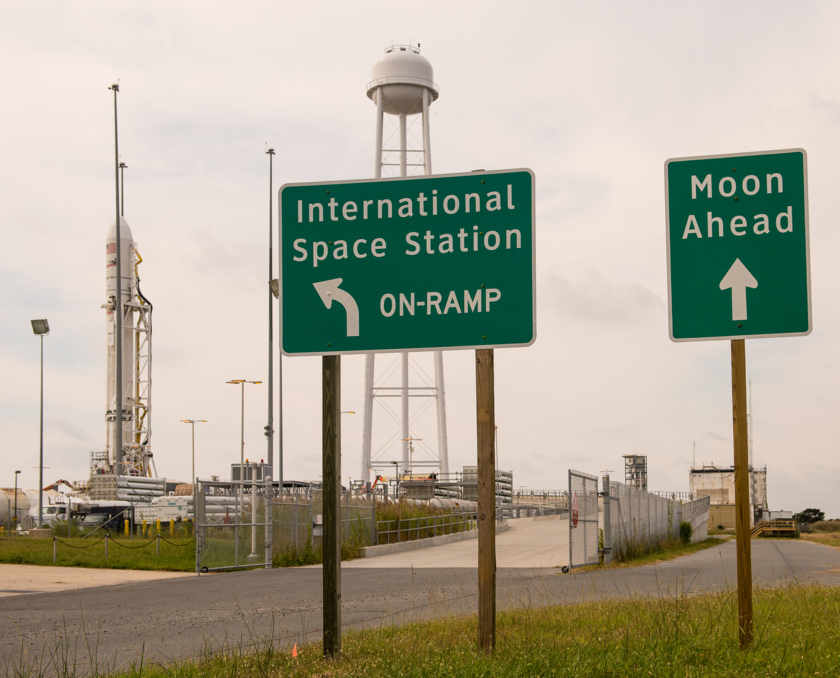 All signs point to commercial spaceflight
