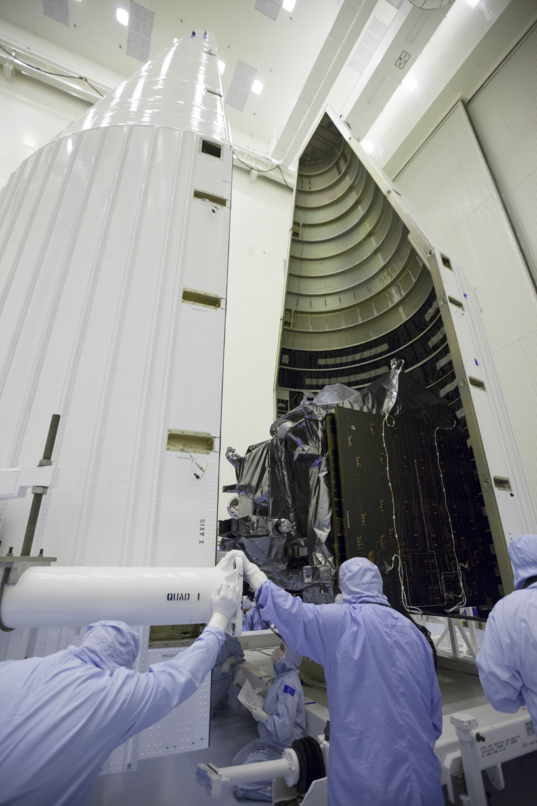 Last look at MAVEN being enclosed in its fairing, November 2, 2013