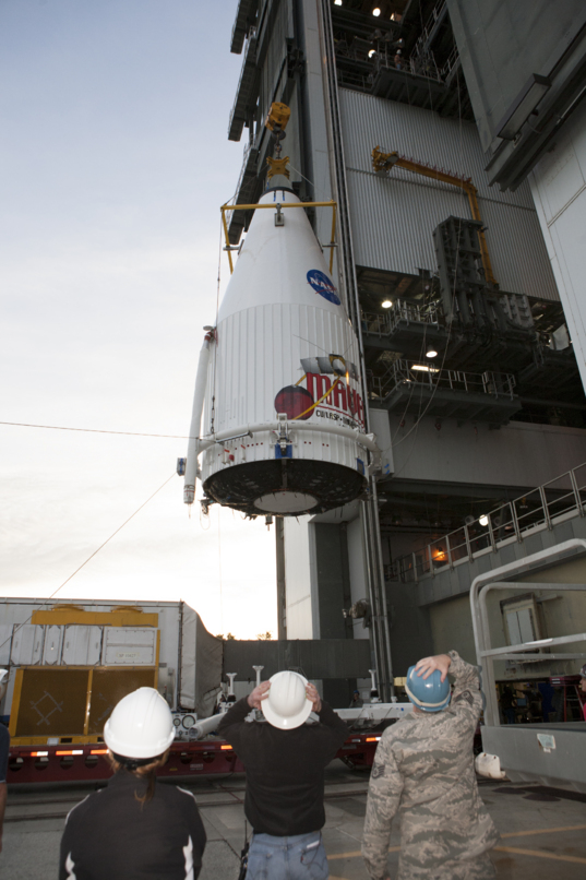 MAVEN being hoisted atop its Atlas V, November 8, 2013