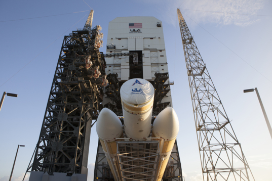 Orion's Delta IV Heavy goes vertical