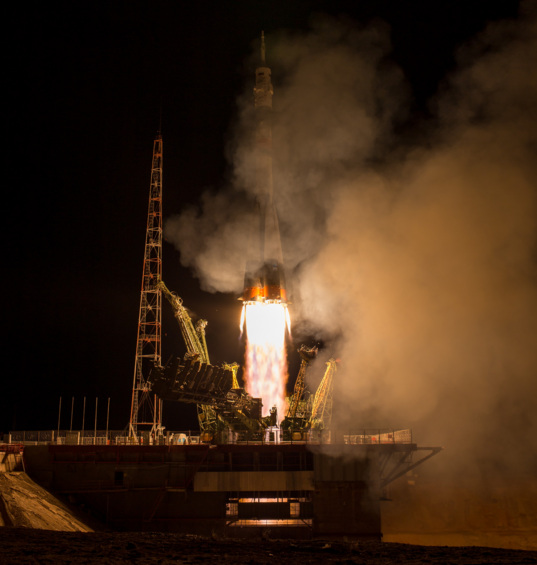 One-year crew liftoff