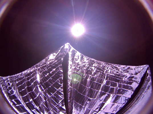 LightSail 1 ground test vs. in-space images