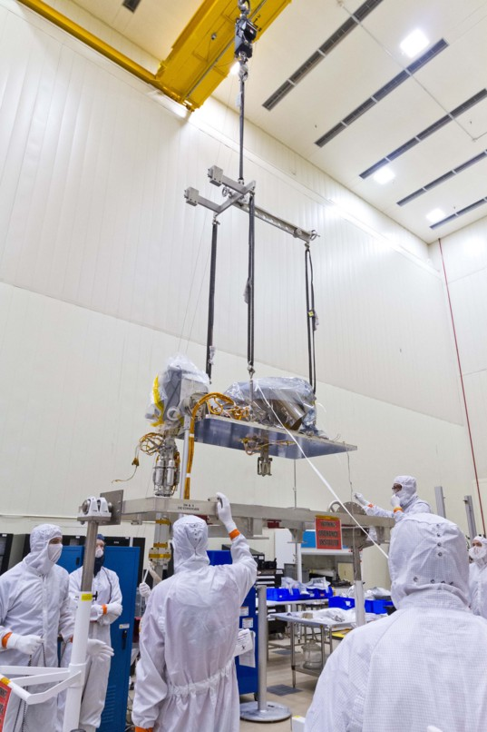 OSIRIS-REx lifting SARA