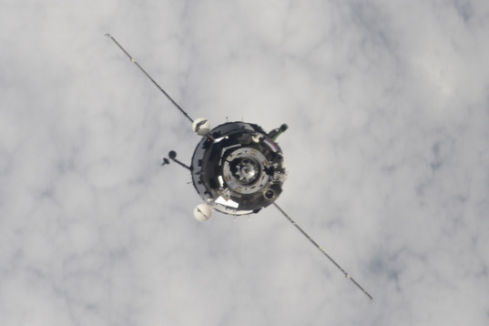 Soyuz TMA-19M approaches station