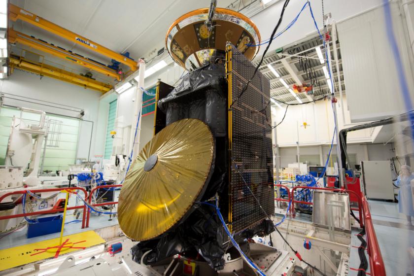 ExoMars Trace Gas Orbiter (TGO) and Schiaparelli during vibration testing
