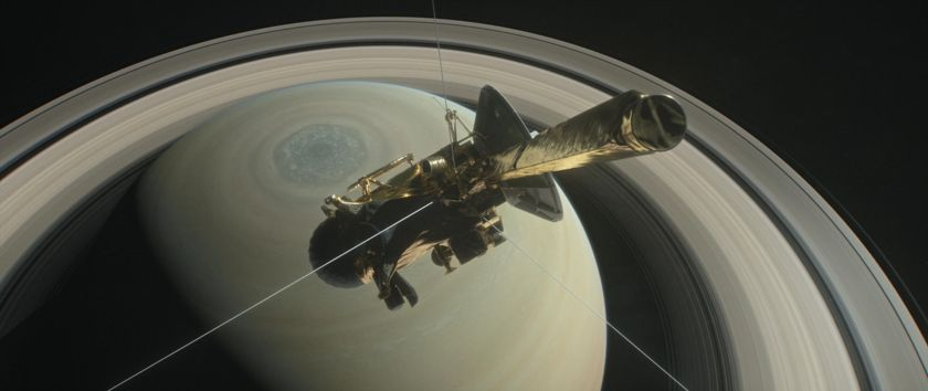 Cassini over Saturn's northern hemisphere