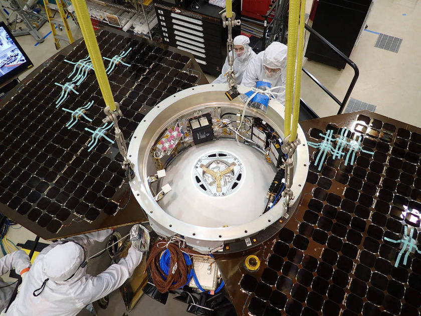 InSight stacked with its cruise stage