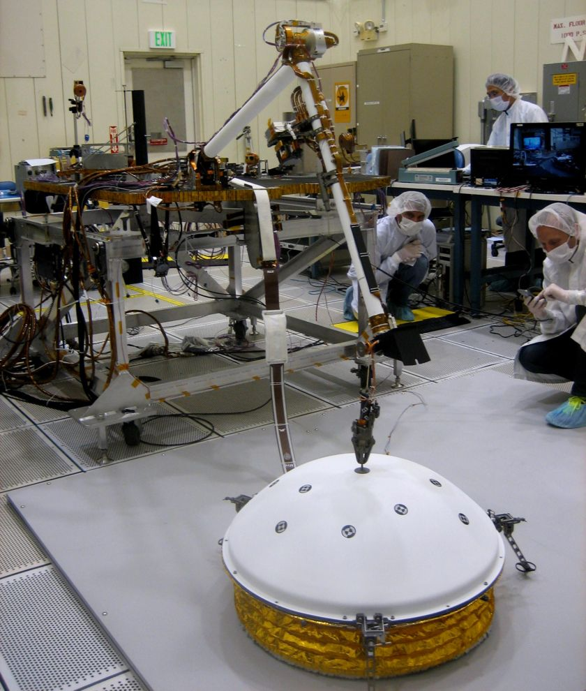 InSight tests deployment of the seismometer cover