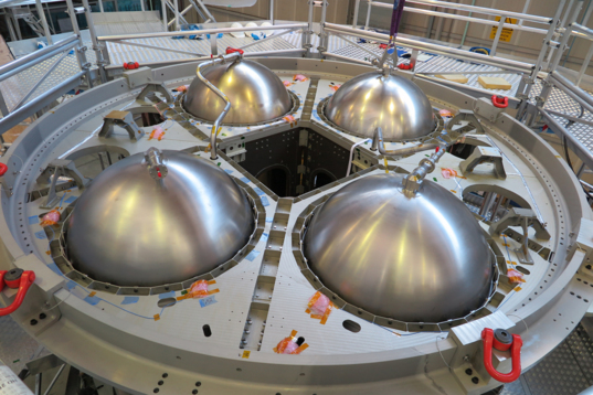 Orion eSTA with propellant tanks