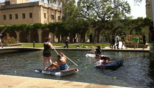 Rafts by Library at Caltech Ditch Day 2012 /></t:if><t:else><img src=